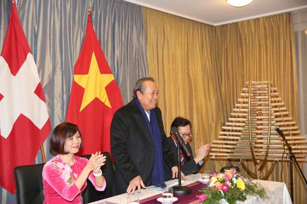 Phó Thủ tướng Thường trực thăm, chúc Tết cộng đồng người Việt tại Thuỵ Sĩ