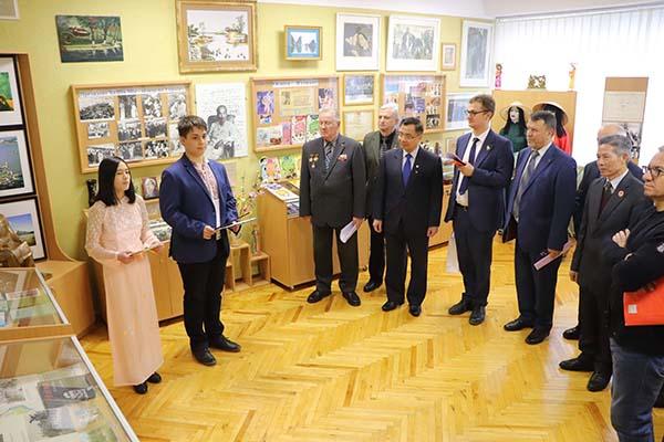 Kỷ niệm 30 năm Trường Hồ Chí Minh ởKyev-Ucraina:Hội thảo về Chủ tịch Hồ Chí Minh