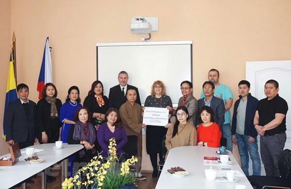 Lan tỏa nghĩa cử cao đẹp của người Việt trong xã hội tại Cộng hòa Séc