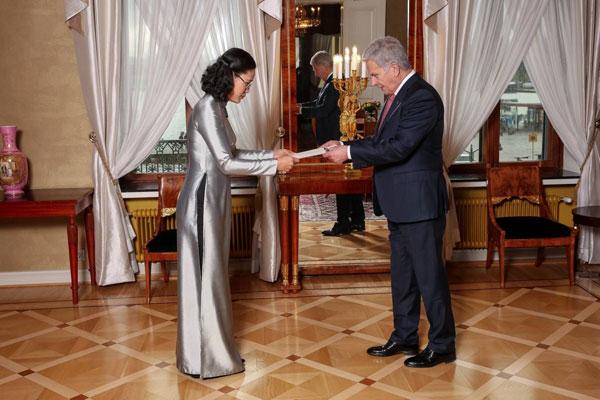 Đại sứ Đặng Thị Hải Tâm trình Thư ủy nhiệm lên Tổng thống Phần Lan
