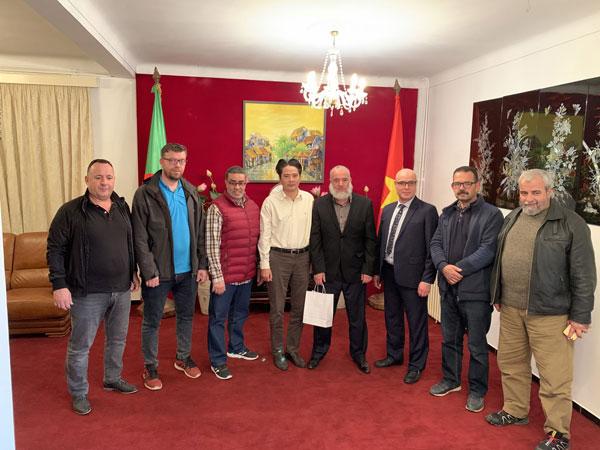 Gặp mặt đại diện liên đoàn và môn phái võ cổ truyền Việt Nam tại Algeria