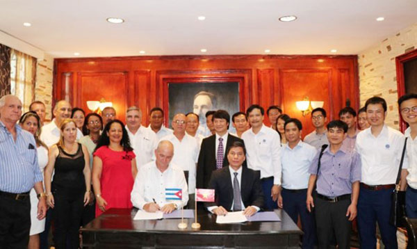 Chủ tịch Cuba cam kết tạo điều kiện thuận lợi cho nhà đầu tư Việt Nam