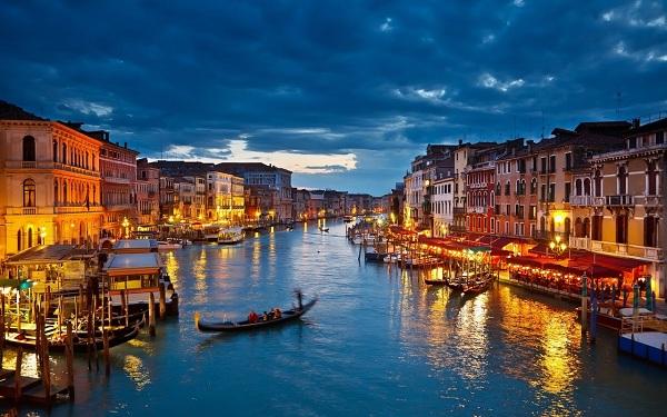 """Venice - """"thánh địa tình yêu"""" đẹp như một bài thơ"""