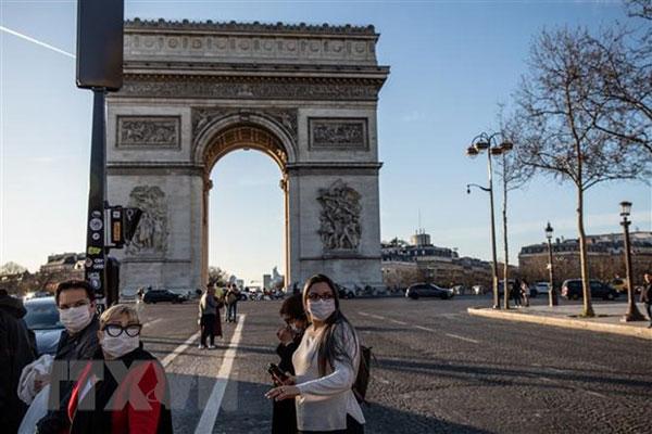 Du học sinh Việt tại châu Âu trong những ngày thử thách