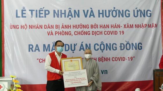 Hội Phật tử Việt Nam tại Hàn Quốc ủng hộ nhân dân bị ảnh hưởng bởi hạn mặn và phòng chống dịch Covid-19