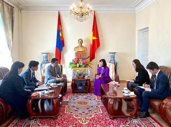 Tháo gỡ vướng mắc trong xuất, nhập khẩu nông sản giữa Việt Nam - Mông Cổ