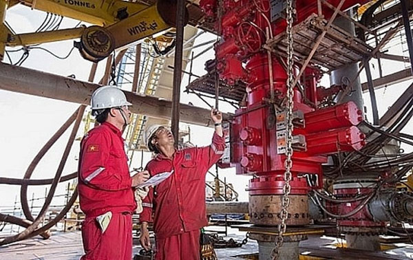 Ngành dầu khí Việt Nam ứng phó ra sao trước ''khủng hoảng kép''?