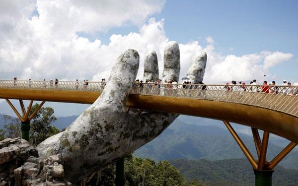 Cầu Vàng lọt tốp những cây cầu đẹp nhất thế giới
