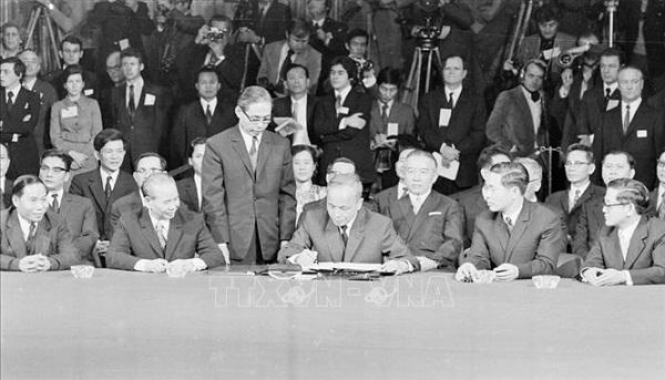 Ngoại giao Việt Nam và đóng góp cho chiến thắng mùa Xuân 1975