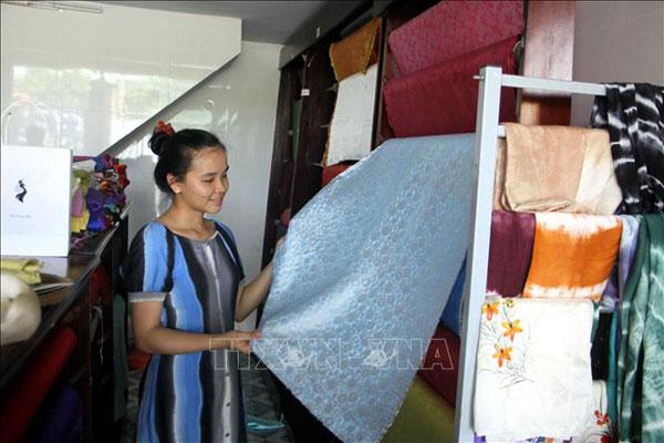 Bảo tồn, phát triển làng nghề truyền thống lụa Mã Châu