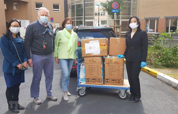 Một người Việt góp phần nhỏ bé chống dịch COVID-19 tại Bỉ