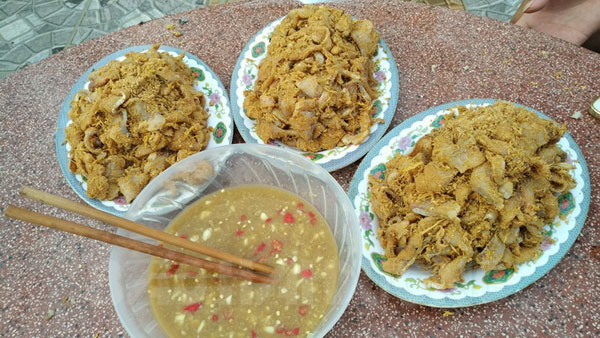 Ngon lạ món gỏi cá mè Cẩm Hoàng