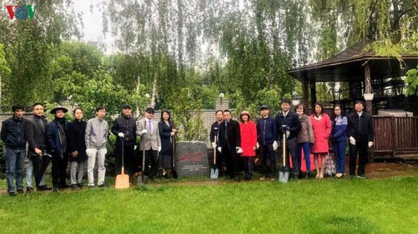 ĐSQ Việt Nam tại Ucraina kỷ niệm 130 năm ngày sinh Chủ tịch Hồ Chí Minh