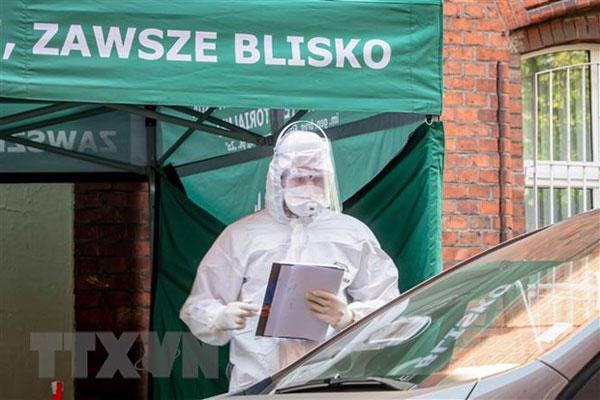 Trợ giúp cộng đồng người Việt tại Ba Lan trong đại dịch COVID-19