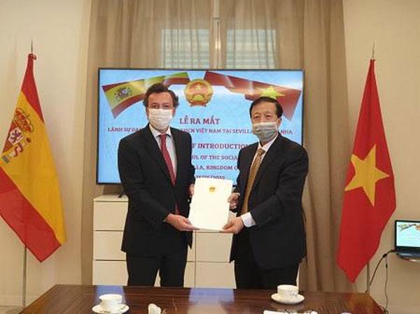 Bổ nhiệm lãnh sự danh dự Việt Nam tại Sevilla, Tây Ban Nha