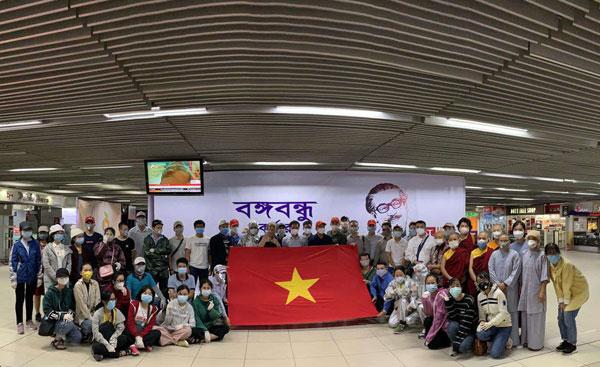 Đưa công dân Việt Nam từ Sri Lanka và Bangladesh về nước