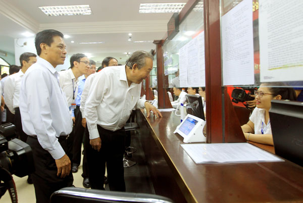 Phó Thủ tướng Thường trực kiểm tra công tác CCHC tại Hải Phòng