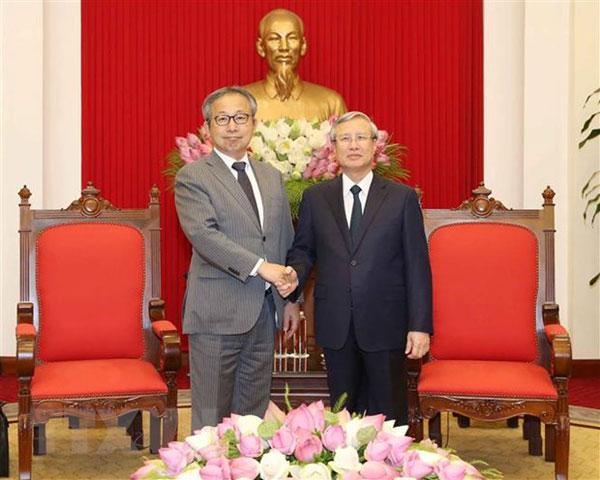 Thường trực Ban Bí thư Trần Quốc Vượng tiếp Đại sứ Nhật Bản Yamada Takio
