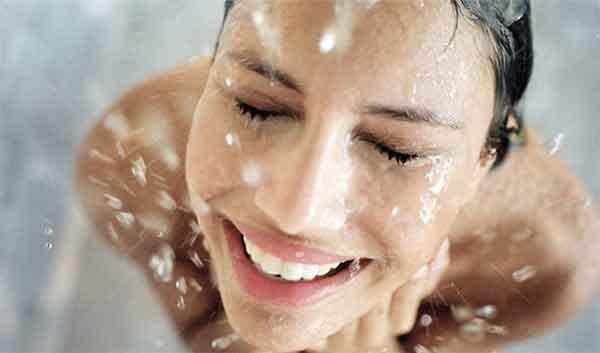 5 sai lầm khi tắm có thể làm hại làn da của bạn