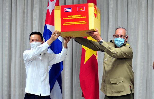 Việt Nam-Cuba tôn vinh sự hợp tác trong cuộc chiến chống COVID-19