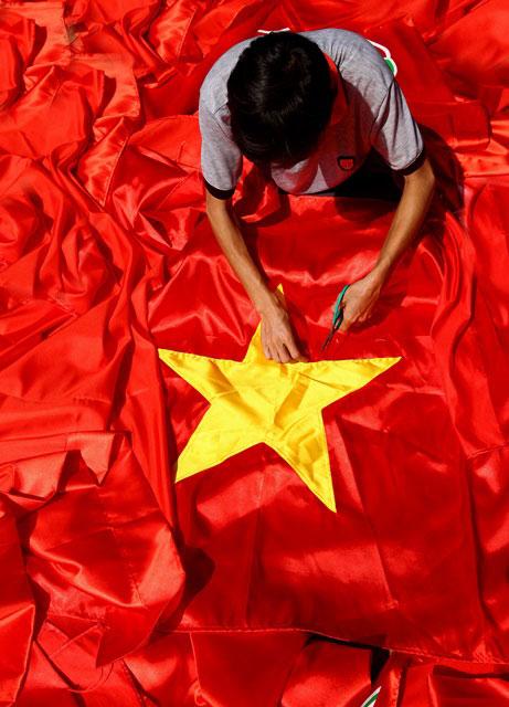 Làng nghề may cờ Tổ quốc
