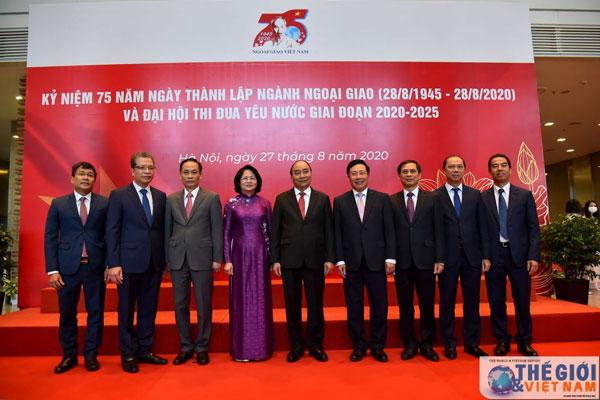Thủ tướng dự chương trình kỷ niệm 75 năm Ngày thành lập ngành Ngoại giao Việt Nam