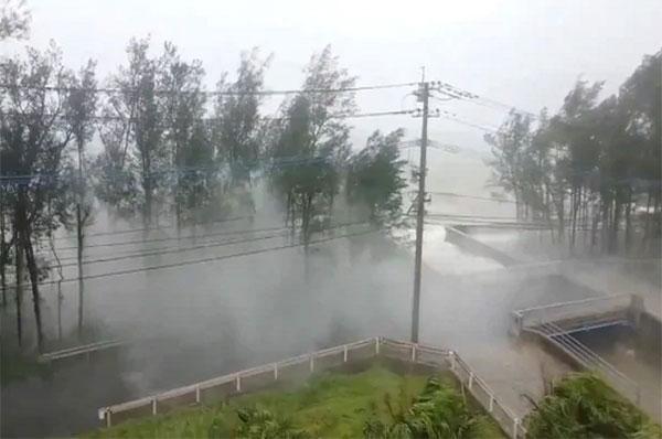 Bão Haishen càn quét qua Nhật Bản, 2 người Việt Nam mất tích