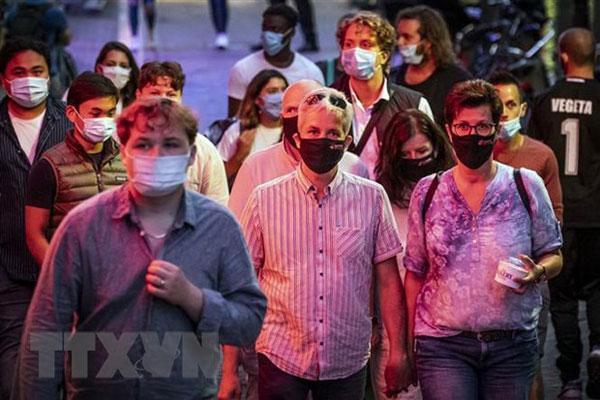 Hà Lan siết quy định chống dịch, Séc sắp ban bố tình trạng khẩn cấp