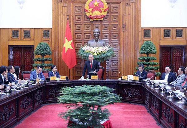 Phó Thủ tướng Thường trực gặp gỡ Hội Doanh nhân trẻ và CLB Doanh nhân Sao Đỏ