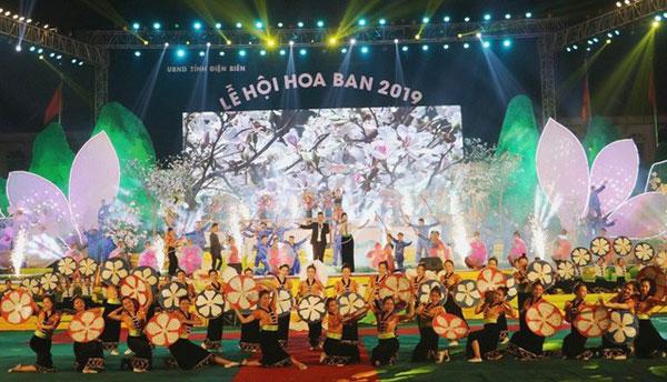 Lễ hội Hoa Ban năm 2021 mừng các sự kiện lớn
