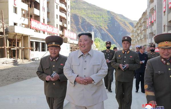 Nhà lãnh đạo Triều Tiên thăm các vùng thiệt hại do bão ở Nam Hamgyong