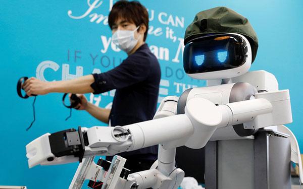 Đại dịch Covid-19 thúc đẩy chuyển đổi lao động từ con người sang robot