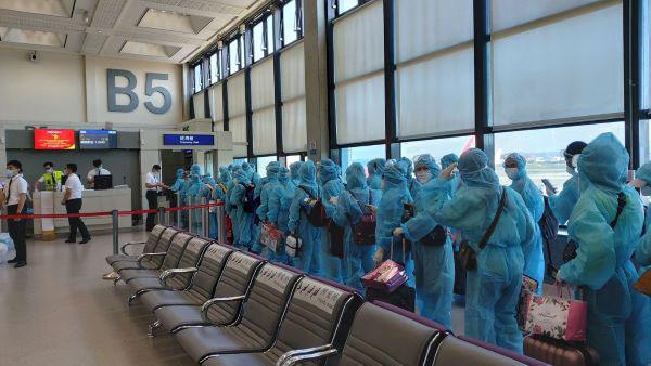 Đưa 230 công dân Việt Nam tại Đài Loan (Trung Quốc) về nước