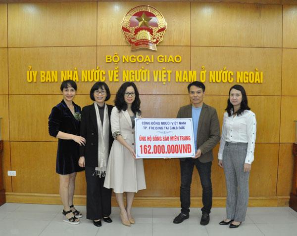 Cộng đồng người Việt tại thành phố Freising, CHLB Đức ủng hộ đồng bào miền Trung