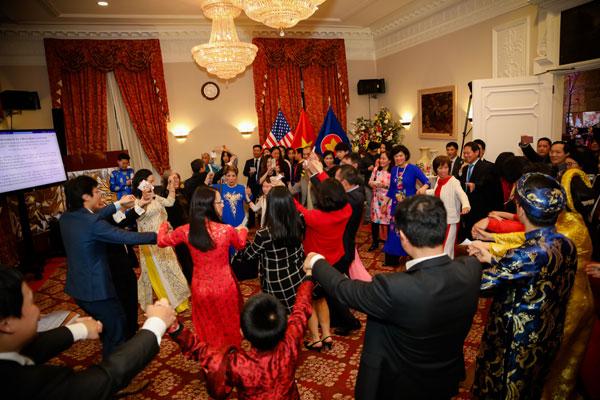 Cộng đồng người Việt tại Mỹ: Đoàn kết hướng tới tương lai