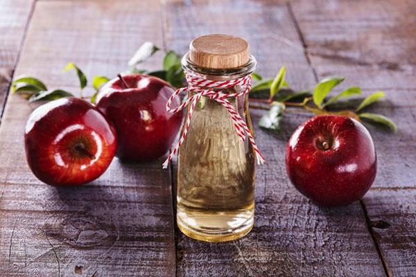 7 gợi ý giúp phái đẹp chăm sóc da và tóc bằng giấm táo