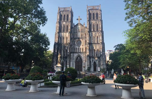 Nhà thờ Lớn - khoảng lặng trong lòng đô thị