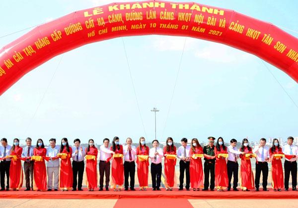 Phó Thủ tướng dự khánh thành cải tạo đường băng hai sân bay lớn nhất nước