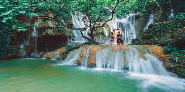 Thác Dải Yếm: Lãng mạn câu chuyện tình yêu nơi thác đổ