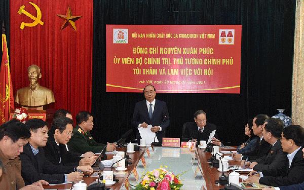 Thủ tướng trao tặng 50 căn nhà cho các nạn nhân chất độc da cam