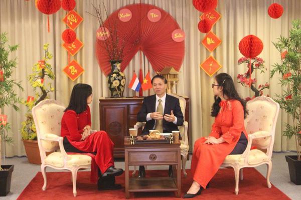 """Người Việt tại Hà Lan tổ chức Talkshow """"Tết xa"""" 2021"""
