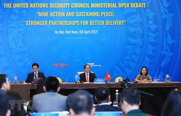 Quốc tế đánh giá cao phiên họp Việt Nam chủ trì về khắc phục bom mìn