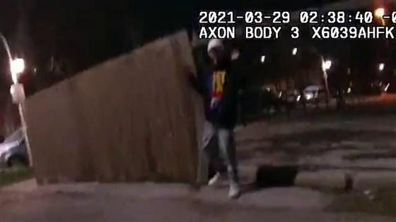 Mỹ: Cảnh sát công bố video cảnh sát bắn chết thiếu niên 13 tuổi