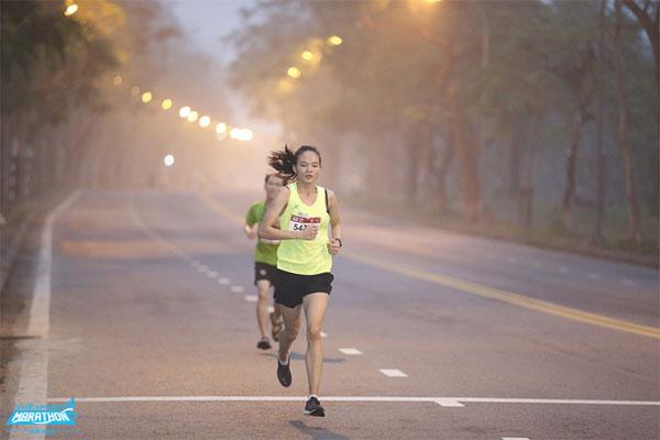 Chạy bộ đúng cách giúp chân thon gọn