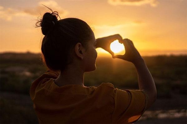 Sống đẹp là một cách tích cực để thắp sáng tâm hồn