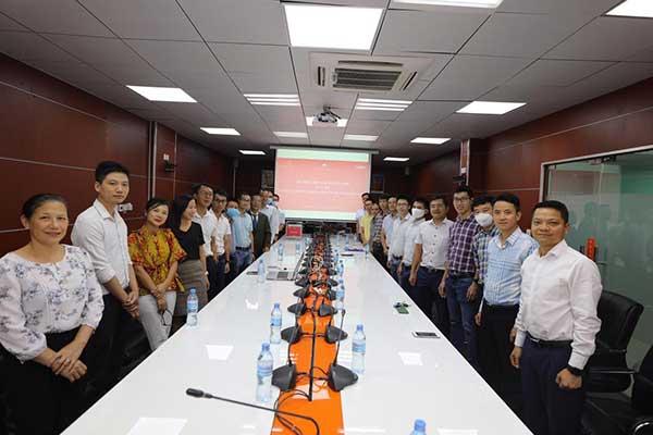 Đại sứ quán Việt Nam tại Tanzania phát động và quyên góp ủng hộ Quỹ phòng, chống dịch COVID-19