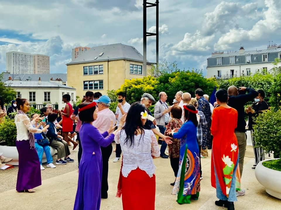 Lễ hội âm nhạc tại Paris gắn kết người Việt và bè bạn