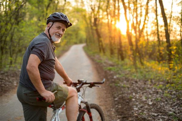 7 bí quyết sống khỏe dành cho người có tuổi