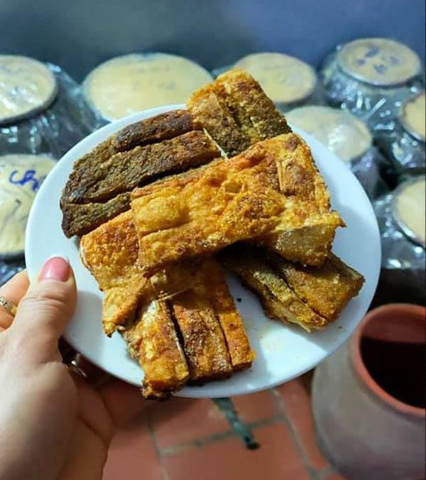 """Kỳ công món đặc sản cá """"muối chua"""" bằng thính gạo ở Vĩnh Phúc"""
