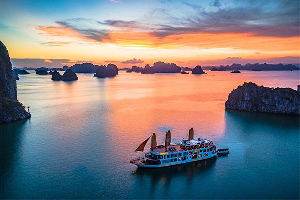 Du lịch Việt Nam nỗ lực ứng biến trước cơn